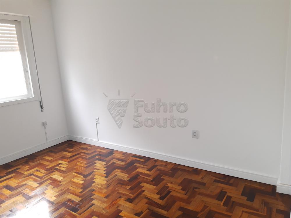Alugar Apartamento / Padrão em Pelotas R$ 1.000,00 - Foto 8