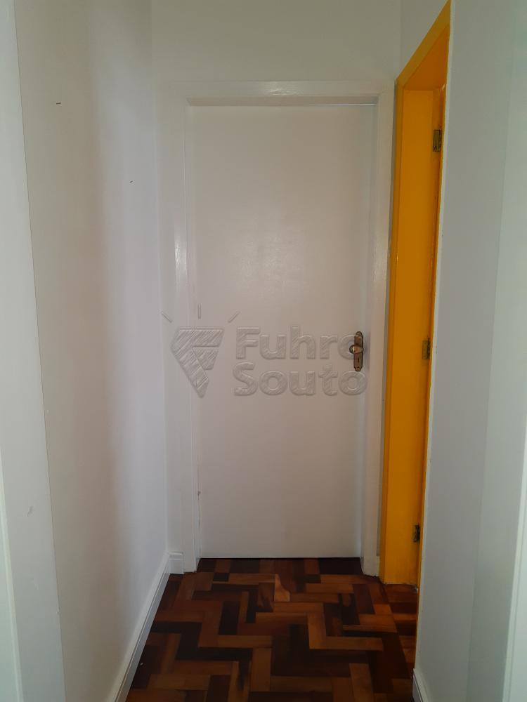 Alugar Apartamento / Padrão em Pelotas R$ 1.000,00 - Foto 9