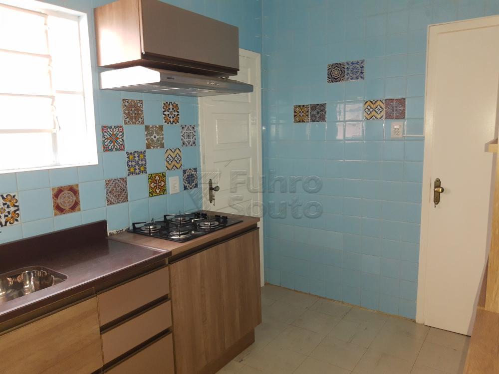 Alugar Apartamento / Padrão em Pelotas R$ 1.000,00 - Foto 13