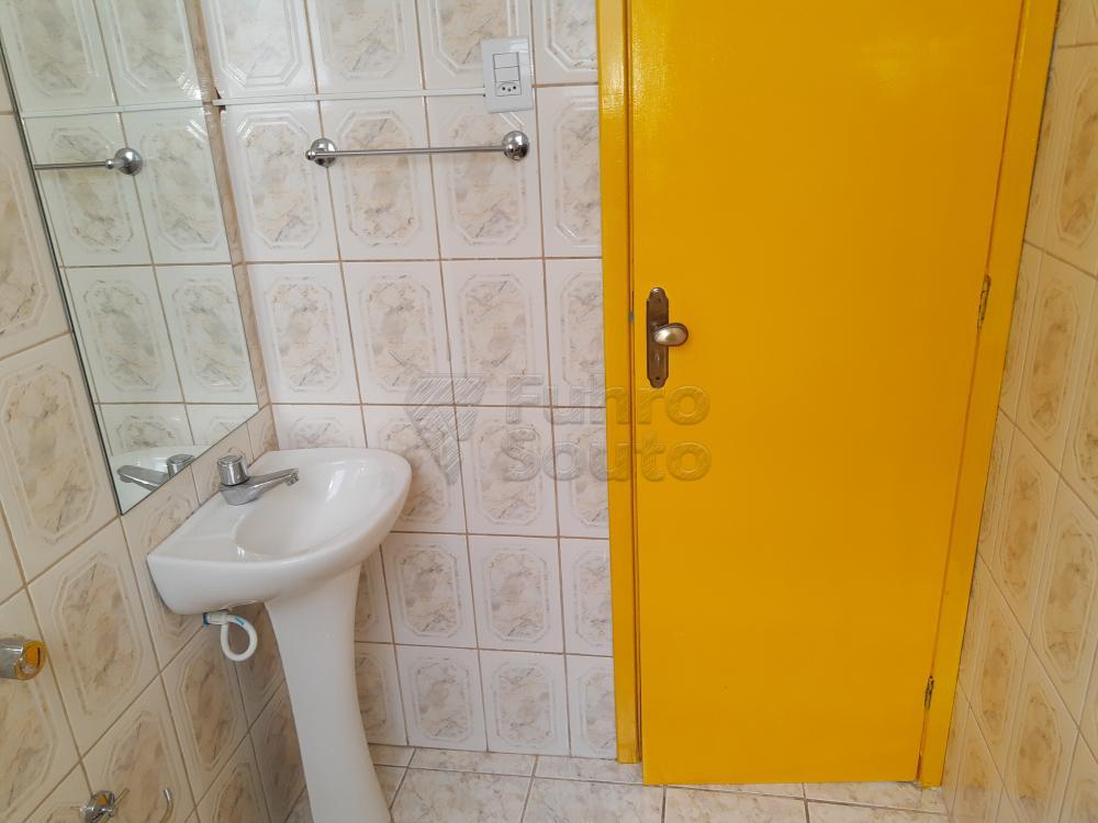 Alugar Apartamento / Padrão em Pelotas R$ 1.000,00 - Foto 16