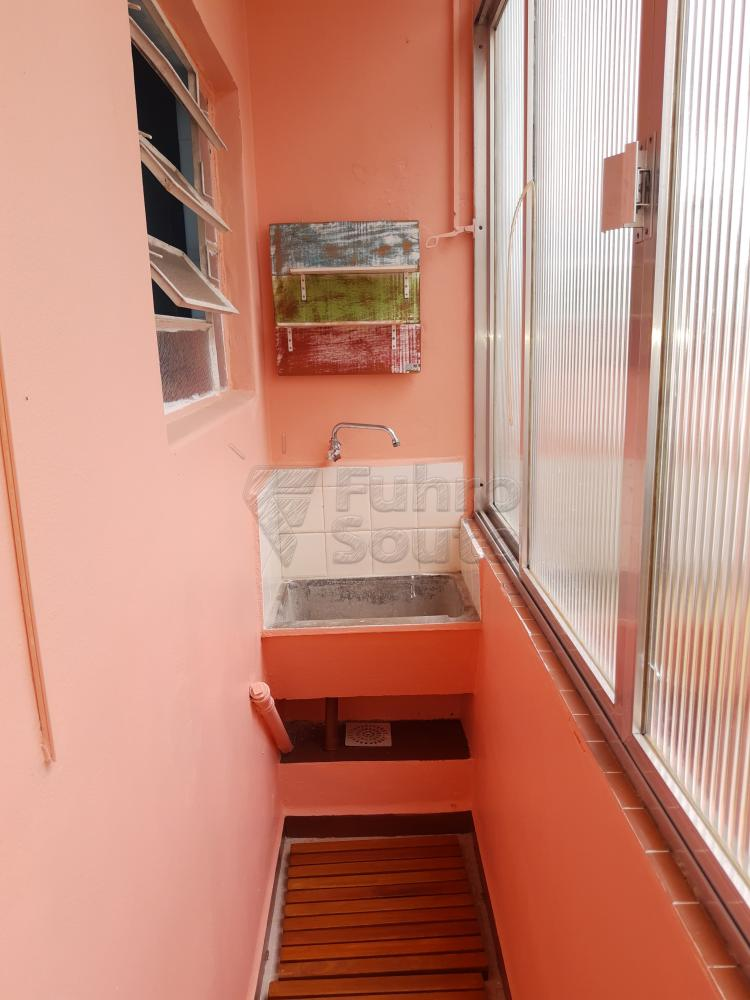Alugar Apartamento / Padrão em Pelotas R$ 1.000,00 - Foto 17