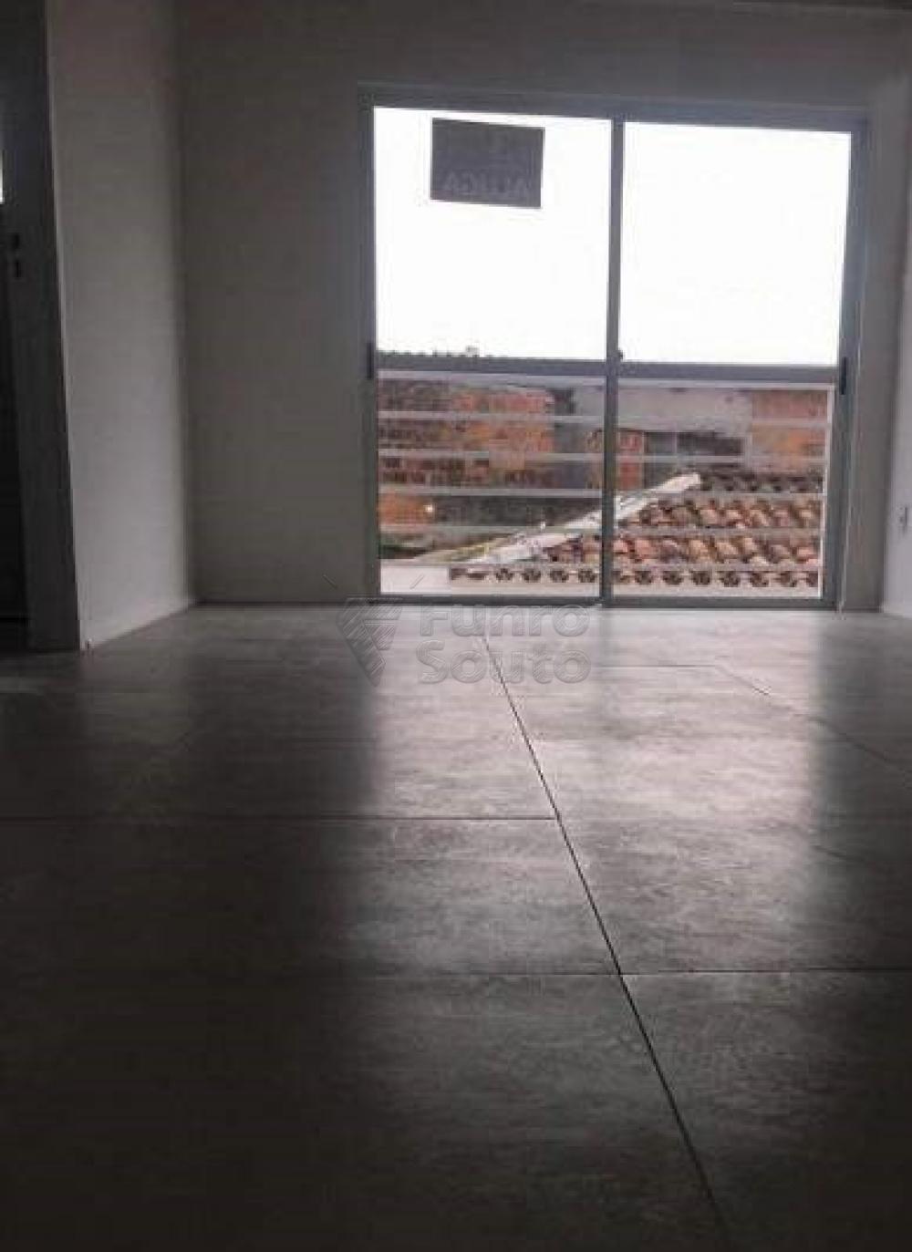 Alugar Apartamento / Loft / Studio em Pelotas R$ 750,00 - Foto 2