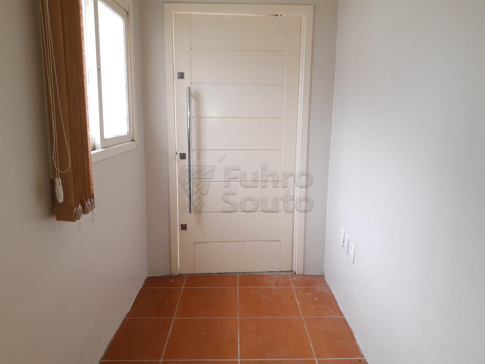 Alugar Casa / Padrão em Pelotas R$ 1.250,00 - Foto 4