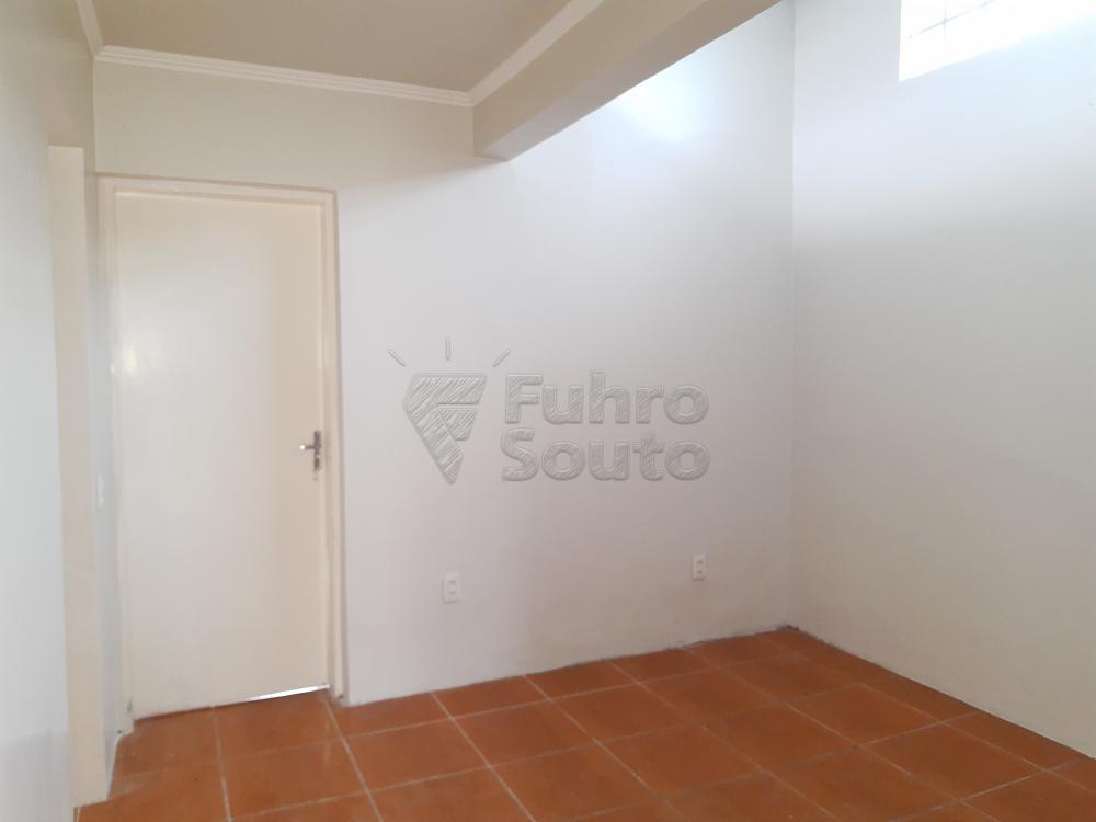 Alugar Casa / Padrão em Pelotas R$ 1.250,00 - Foto 6
