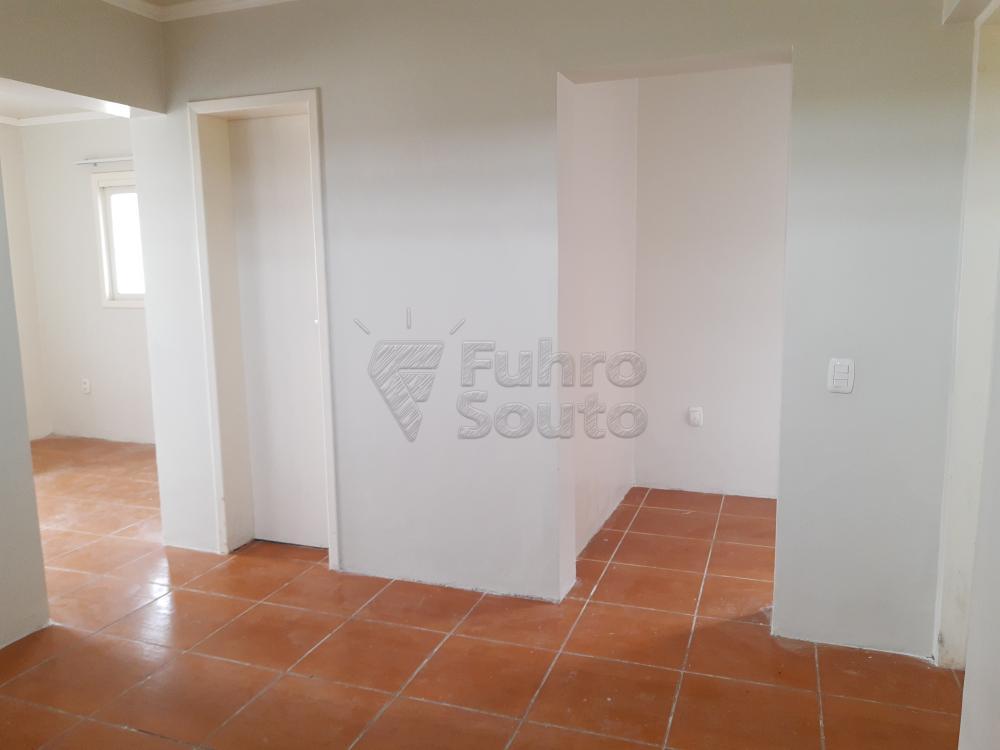 Alugar Casa / Padrão em Pelotas R$ 1.250,00 - Foto 7