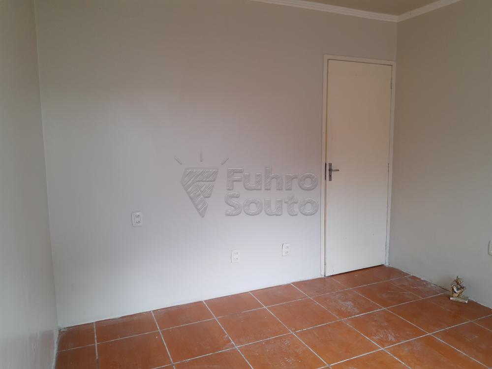 Alugar Casa / Padrão em Pelotas R$ 1.250,00 - Foto 11