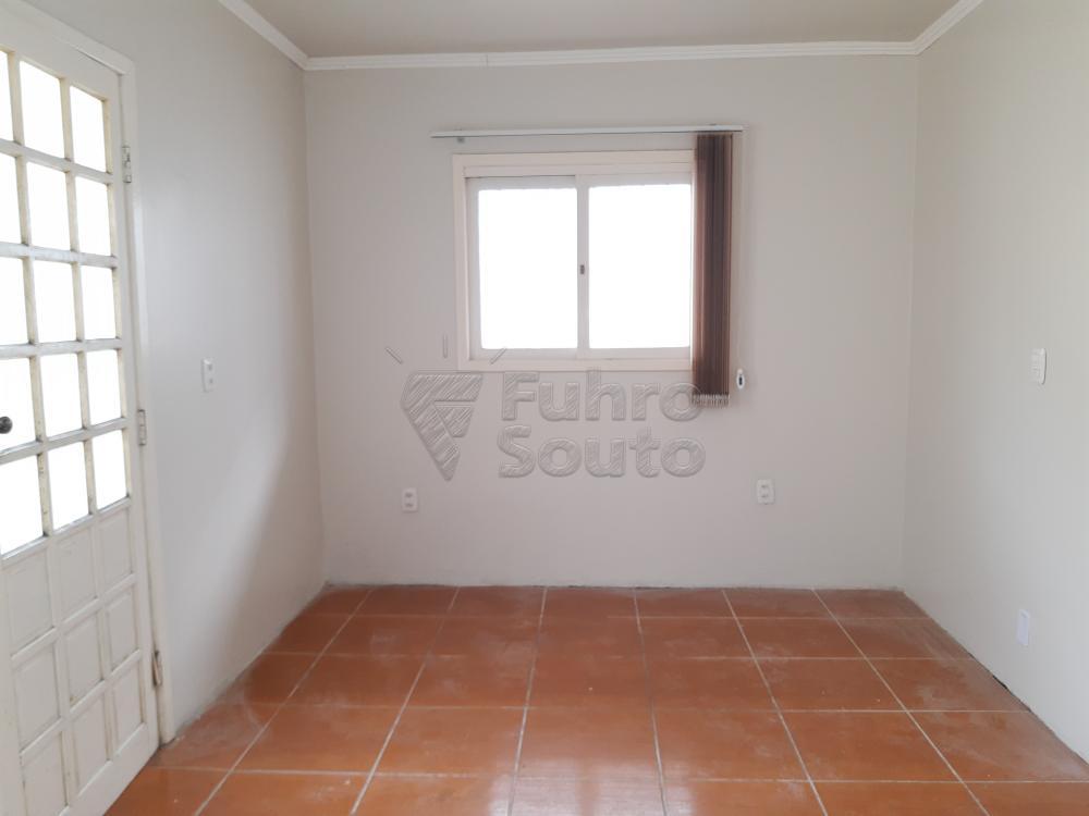 Alugar Casa / Padrão em Pelotas R$ 1.250,00 - Foto 14