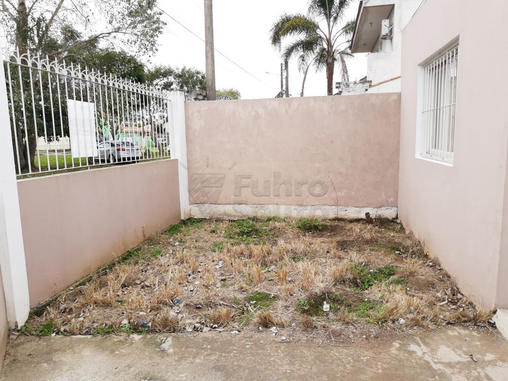 Alugar Casa / Padrão em Pelotas R$ 1.250,00 - Foto 18