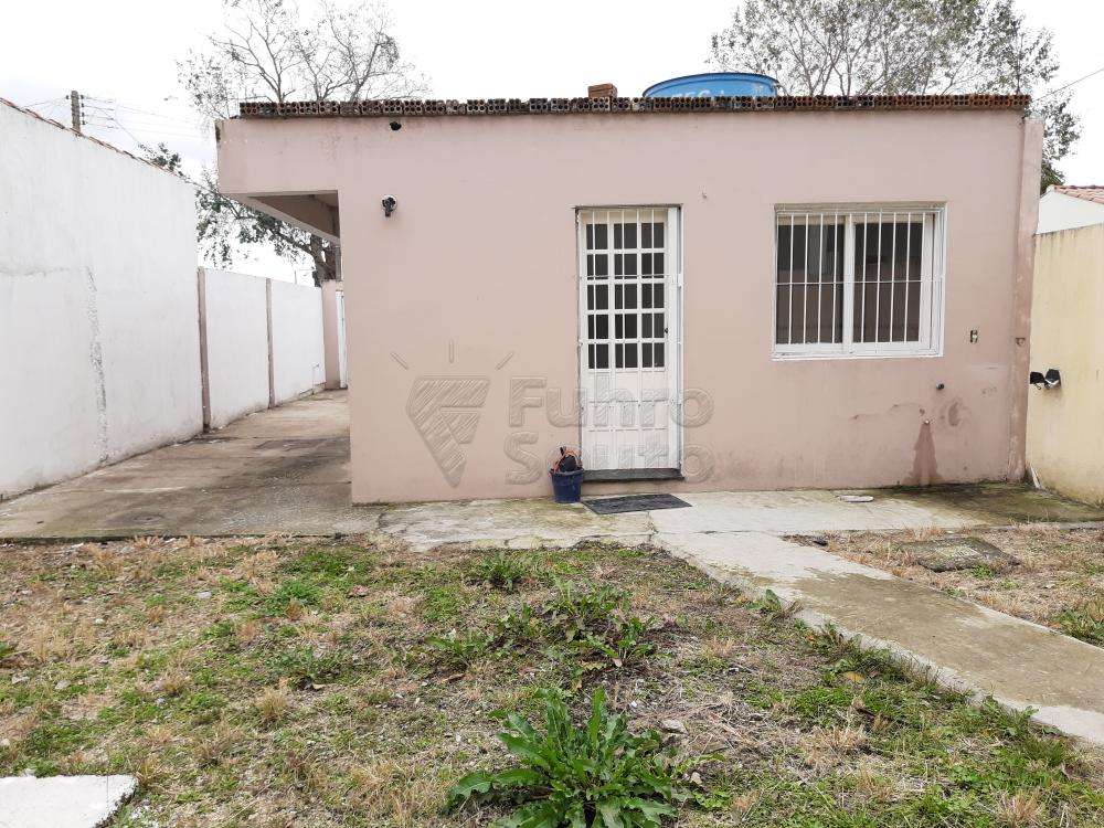 Alugar Casa / Padrão em Pelotas R$ 1.250,00 - Foto 24