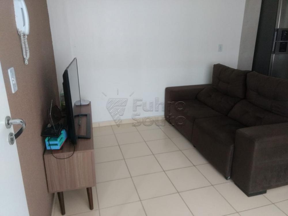 Comprar Apartamento / Padrão em Pelotas R$ 130.000,00 - Foto 2