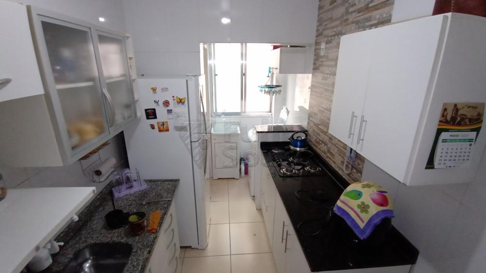 Comprar Apartamento / Padrão em Pelotas R$ 290.000,00 - Foto 6