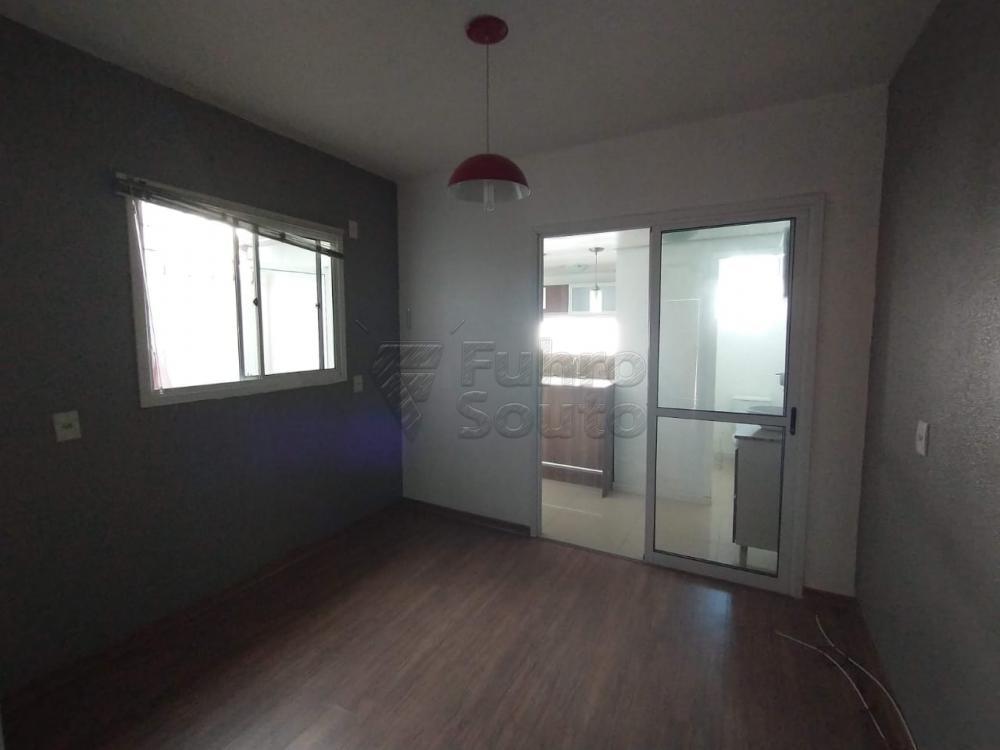 Comprar Casa / Condomínio em Pelotas R$ 180.000,00 - Foto 2
