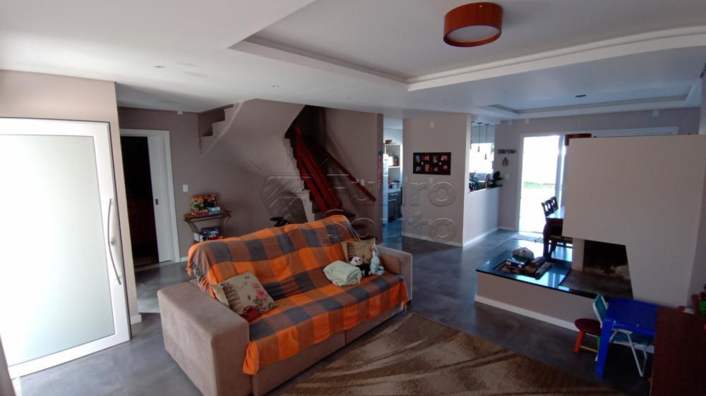 Comprar Casa / Padrão em Pelotas R$ 850.000,00 - Foto 3
