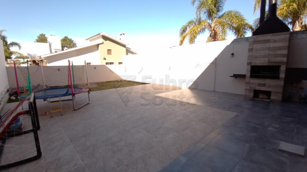 Comprar Casa / Padrão em Pelotas R$ 850.000,00 - Foto 15