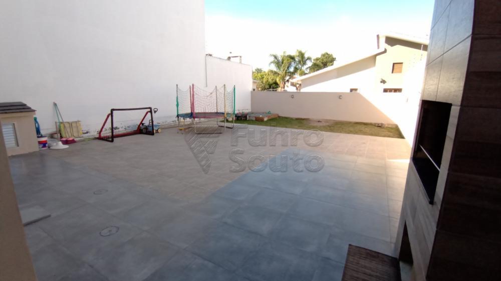 Comprar Casa / Padrão em Pelotas R$ 850.000,00 - Foto 14