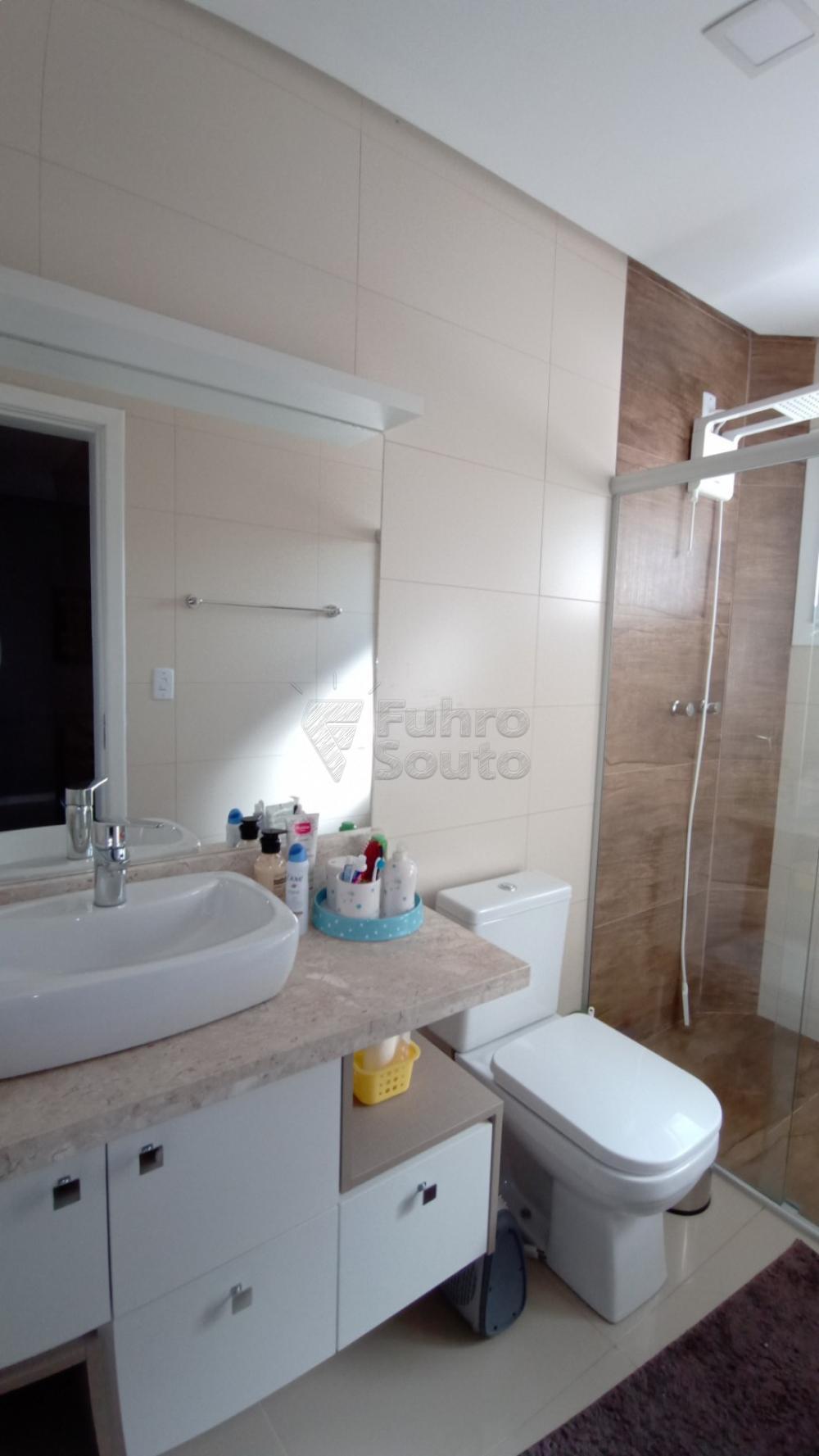 Comprar Casa / Padrão em Pelotas R$ 850.000,00 - Foto 10