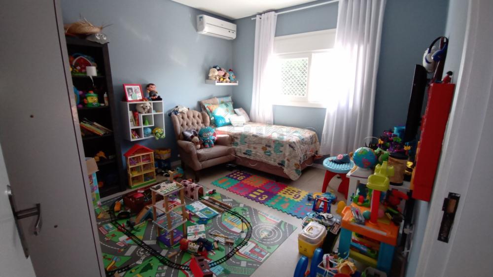 Comprar Casa / Padrão em Pelotas R$ 850.000,00 - Foto 12