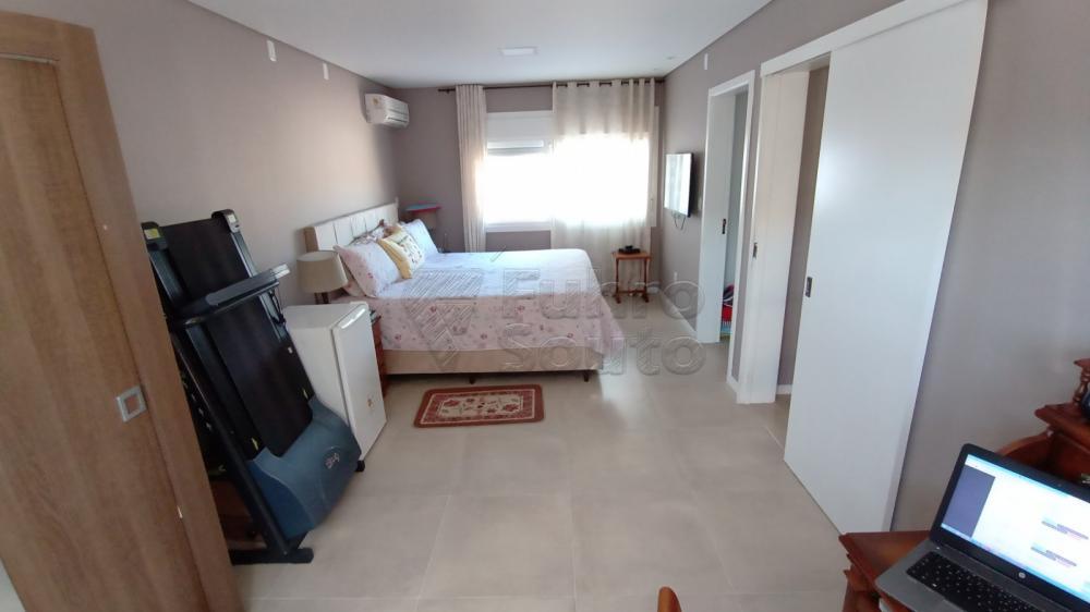 Comprar Casa / Padrão em Pelotas R$ 850.000,00 - Foto 8