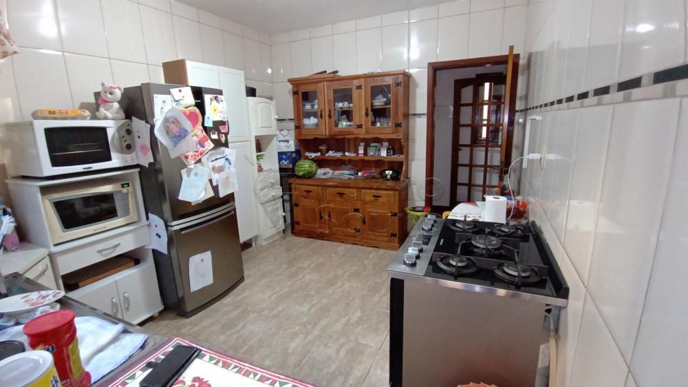 Comprar Casa / Padrão em Pelotas R$ 450.000,00 - Foto 2