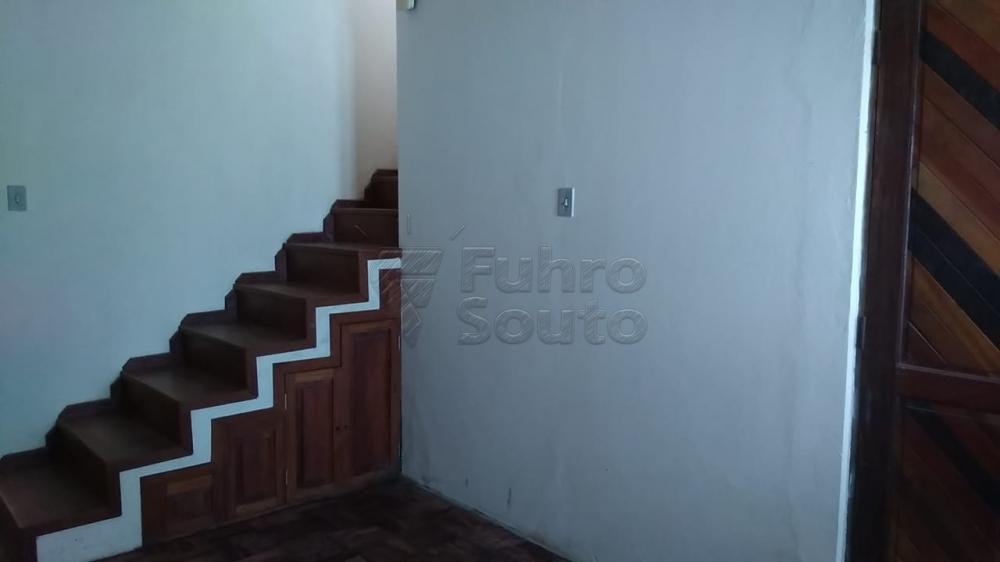 Comprar Casa / Padrão em Pelotas R$ 195.000,00 - Foto 1