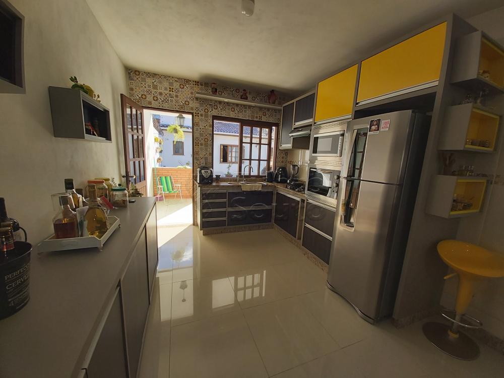 Comprar Casa / Padrão em Pelotas R$ 470.000,00 - Foto 4