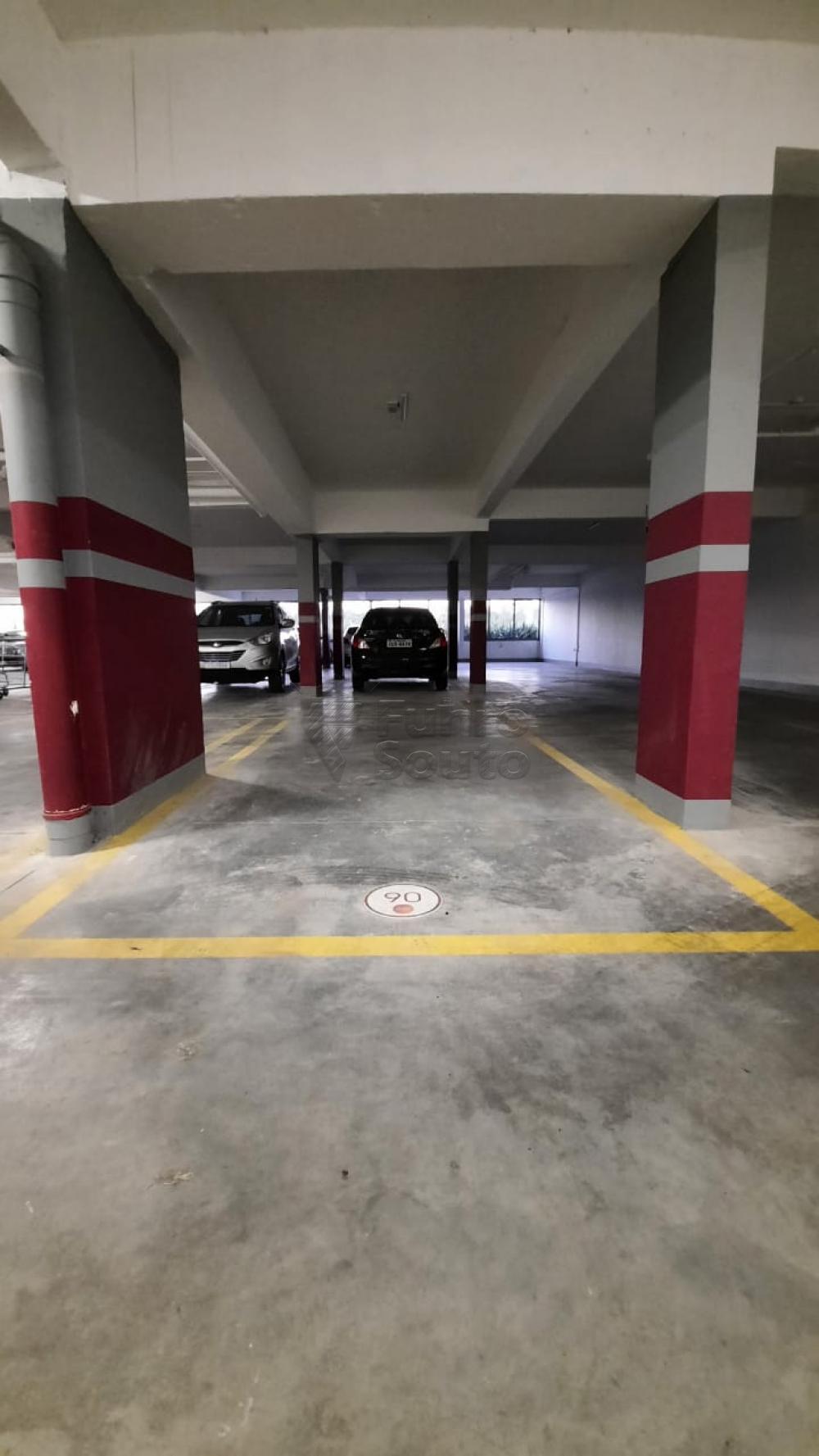 Comprar Apartamento / Padrão em Pelotas R$ 360.000,00 - Foto 1