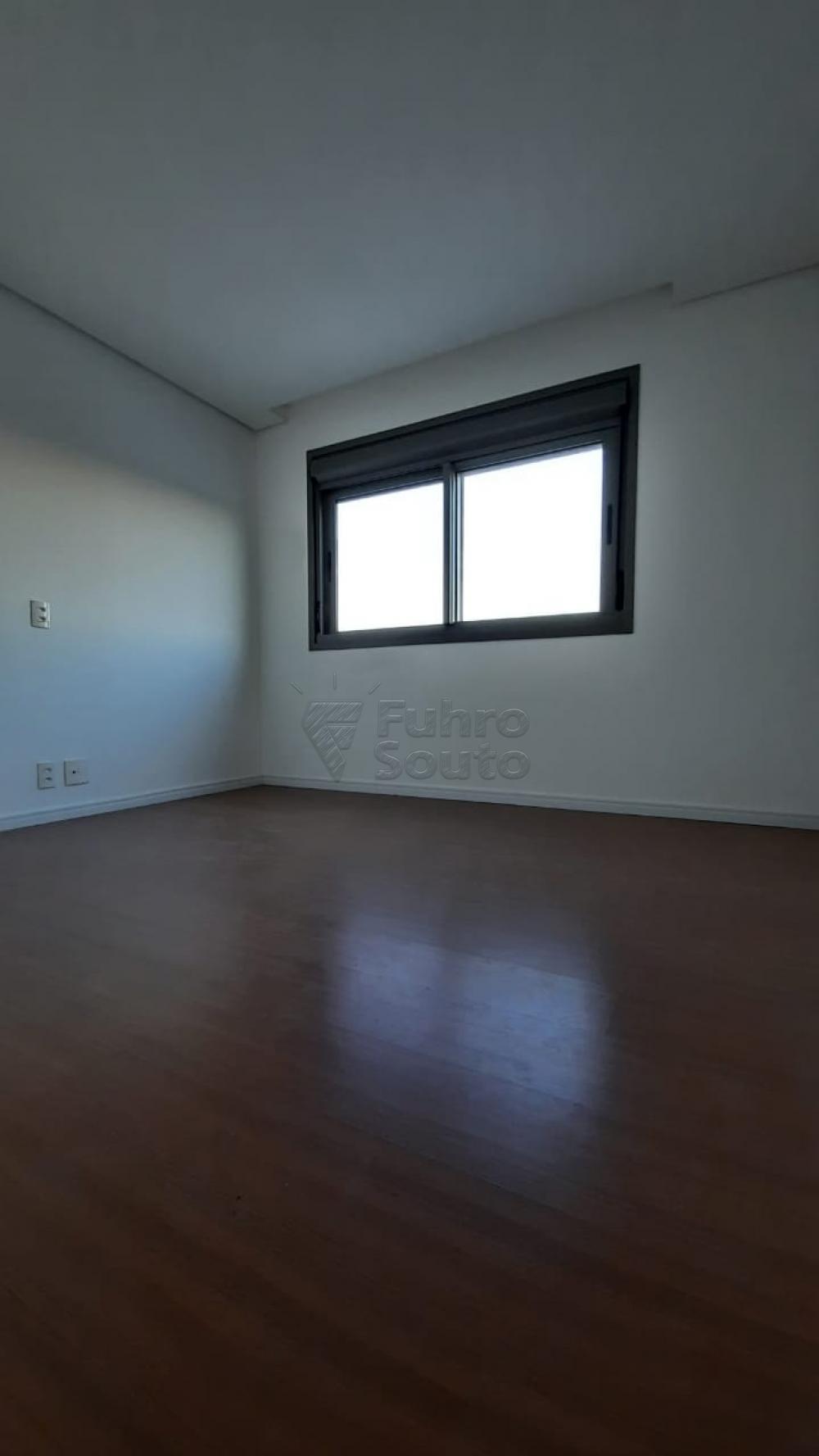 Comprar Apartamento / Padrão em Pelotas R$ 360.000,00 - Foto 5