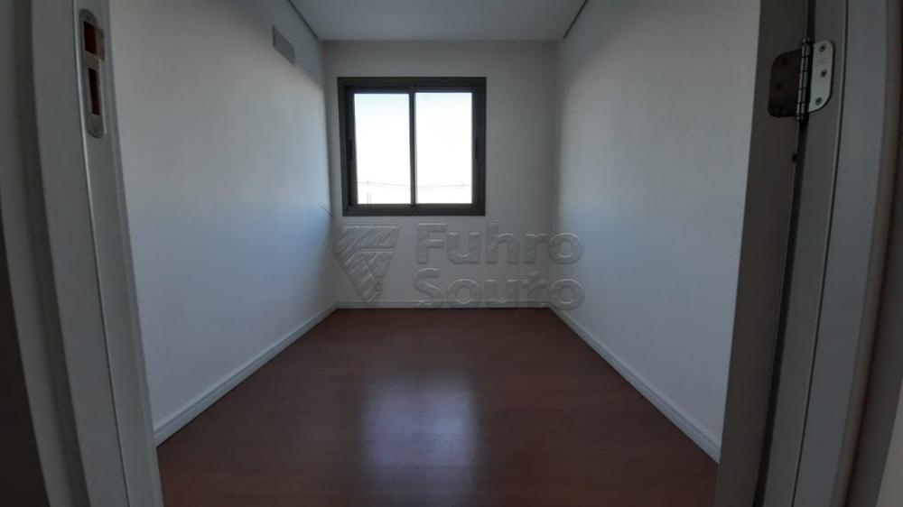 Comprar Apartamento / Padrão em Pelotas R$ 360.000,00 - Foto 8