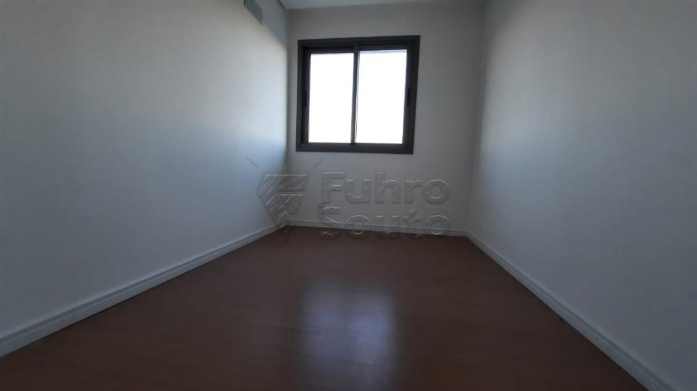 Comprar Apartamento / Padrão em Pelotas R$ 360.000,00 - Foto 9