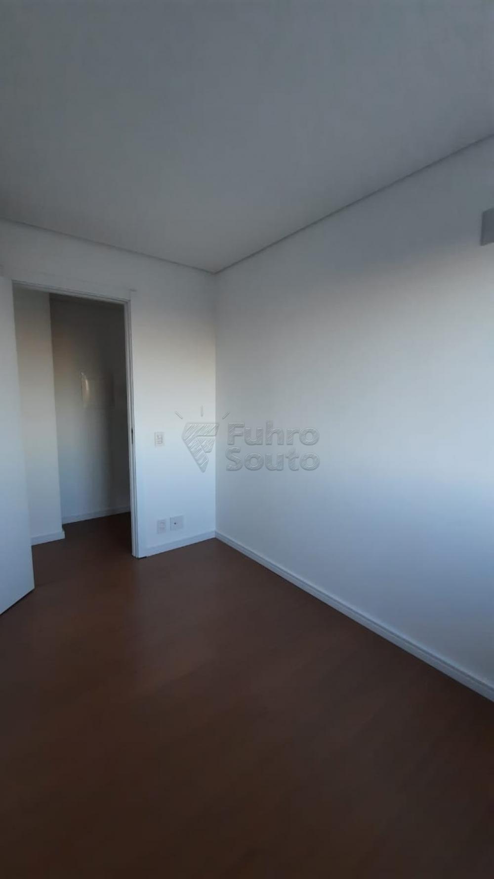 Comprar Apartamento / Padrão em Pelotas R$ 360.000,00 - Foto 10