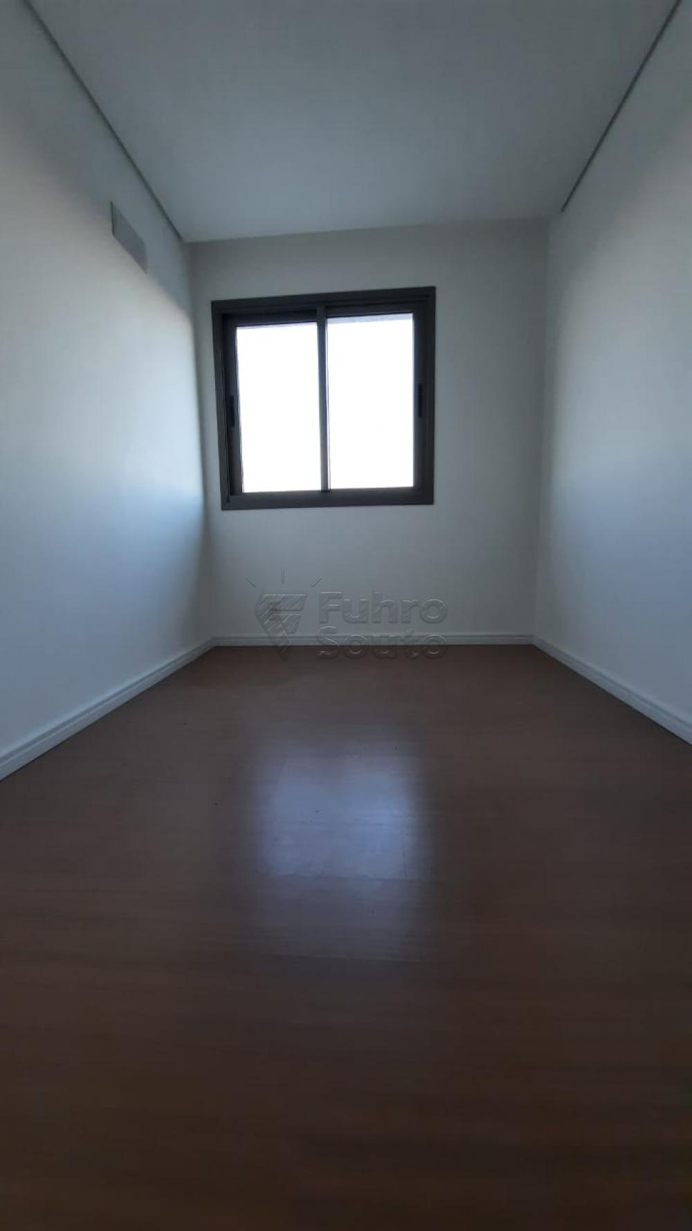 Comprar Apartamento / Padrão em Pelotas R$ 360.000,00 - Foto 11