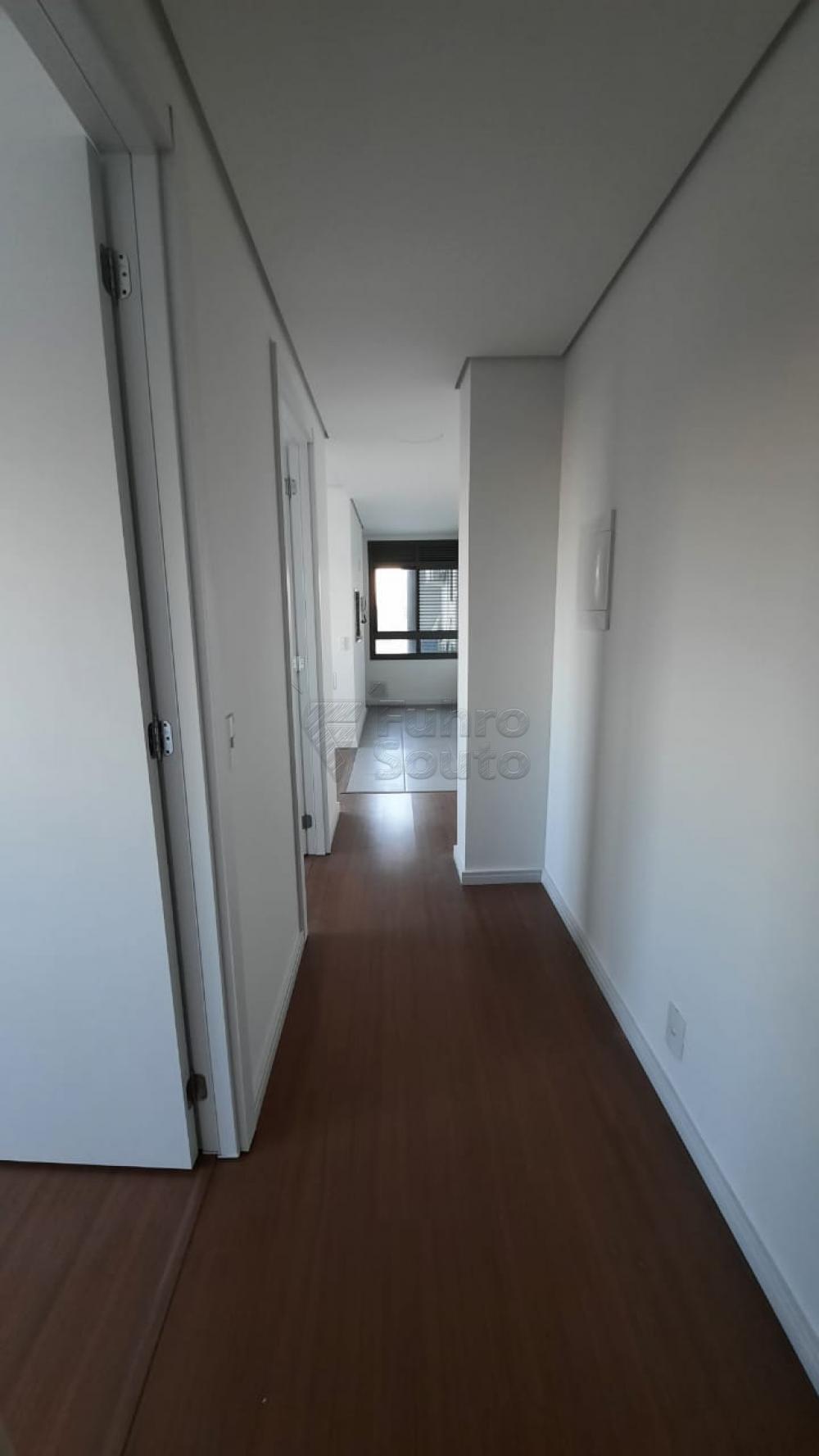 Comprar Apartamento / Padrão em Pelotas R$ 360.000,00 - Foto 13