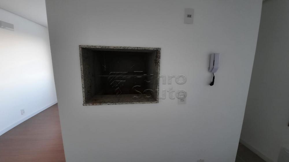 Comprar Apartamento / Padrão em Pelotas R$ 360.000,00 - Foto 14
