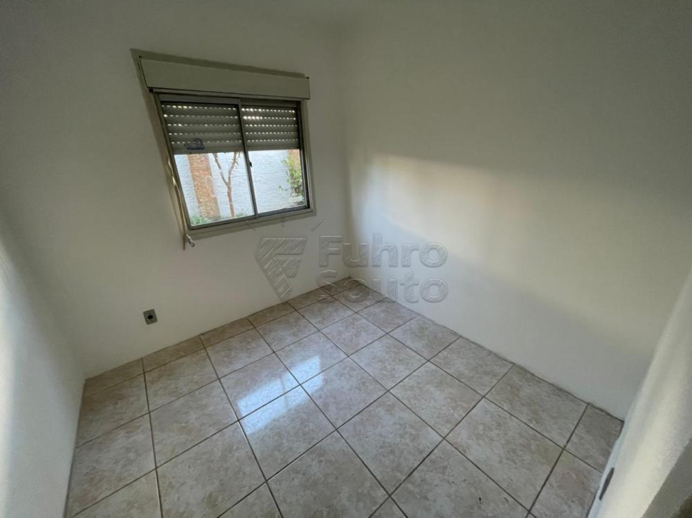 Alugar Apartamento / Padrão em Pelotas R$ 450,00 - Foto 9