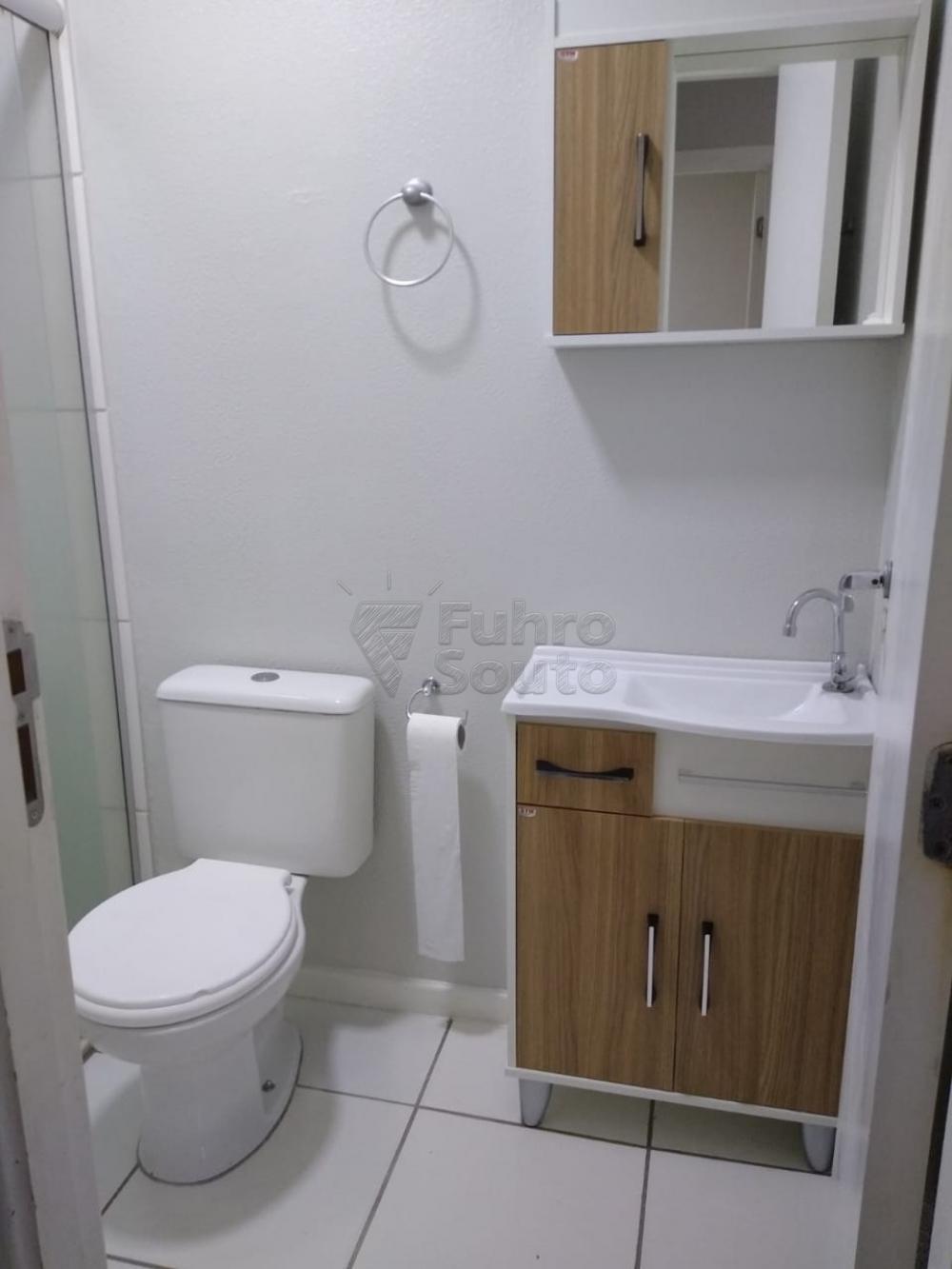 Alugar Casa / Condomínio em Pelotas R$ 700,00 - Foto 6