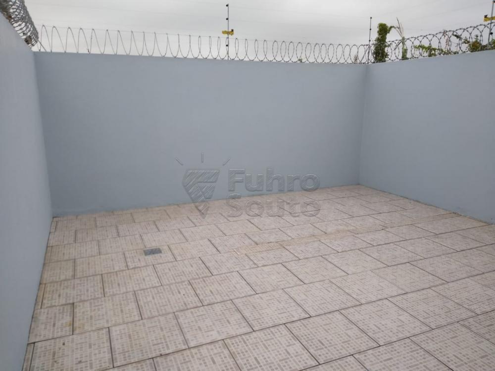 Alugar Casa / Condomínio em Pelotas R$ 700,00 - Foto 8