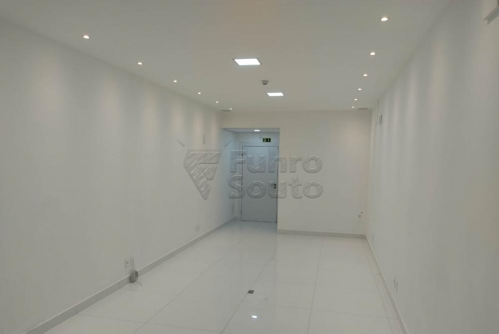 Alugar Comercial / Sala em Condomínio em Pelotas R$ 2.000,00 - Foto 4