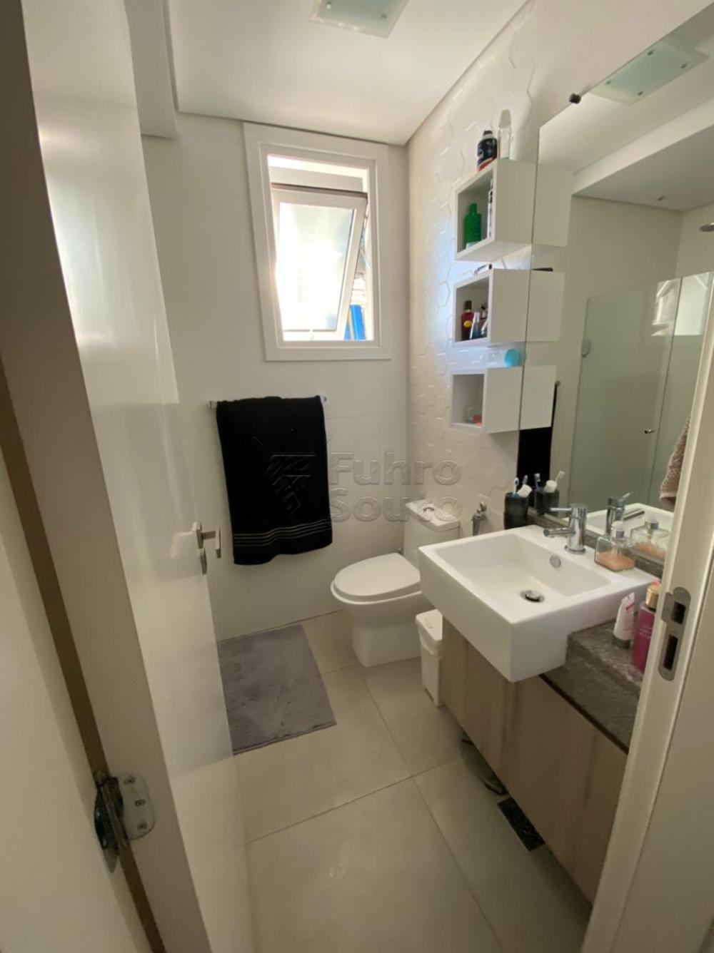 Comprar Apartamento / Padrão em Pelotas R$ 477.000,00 - Foto 9