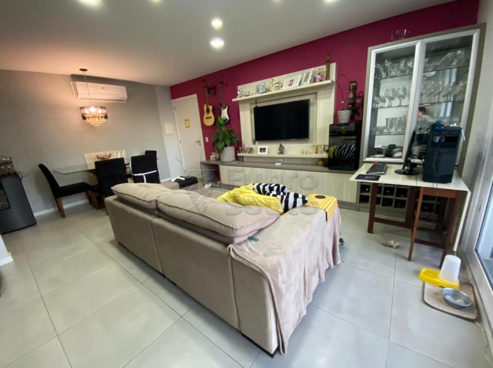 Comprar Apartamento / Padrão em Pelotas R$ 477.000,00 - Foto 3