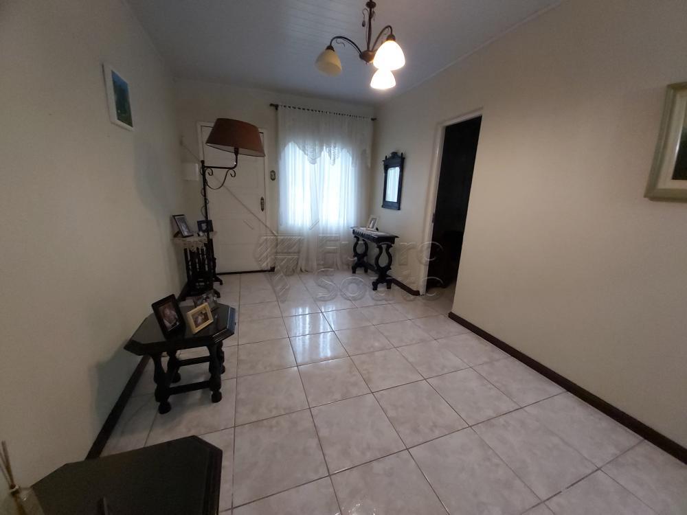 Comprar Casa / Padrão em Pelotas R$ 630.000,00 - Foto 7