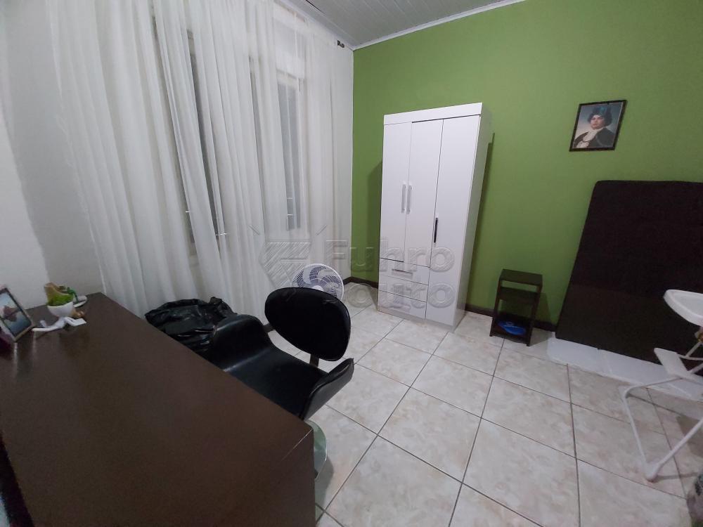 Comprar Casa / Padrão em Pelotas R$ 630.000,00 - Foto 8