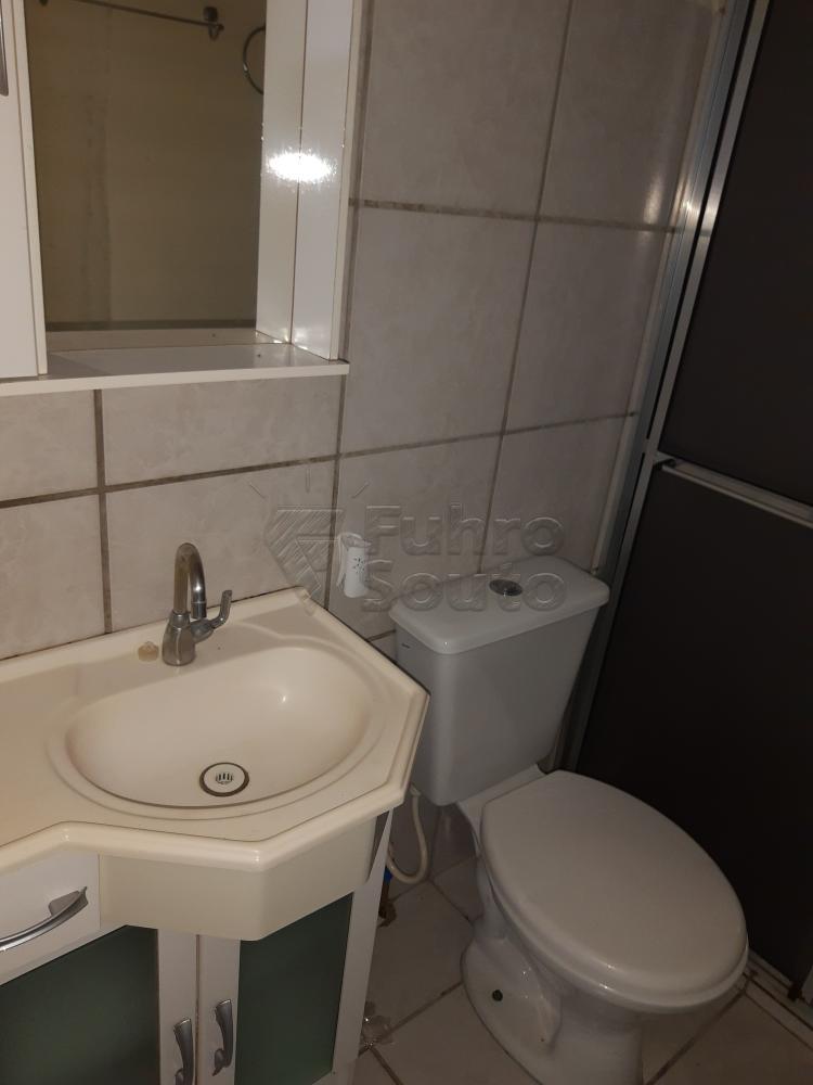 Alugar Apartamento / Padrão em Pelotas R$ 900,00 - Foto 15