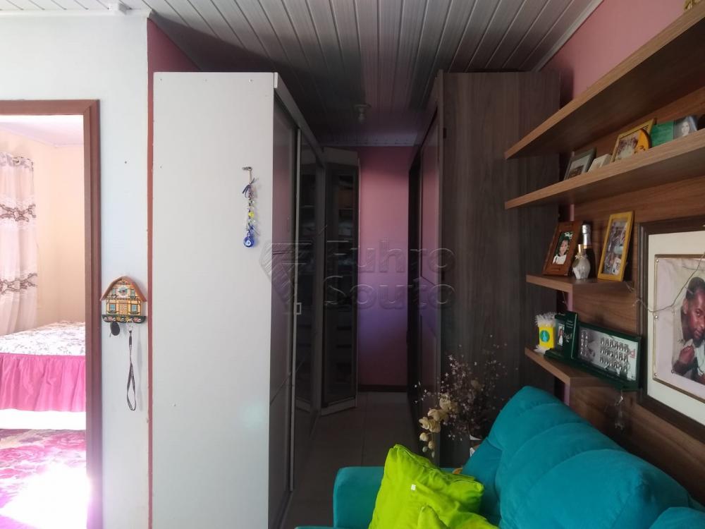 Comprar Casa / Padrão em Pelotas R$ 190.000,00 - Foto 4