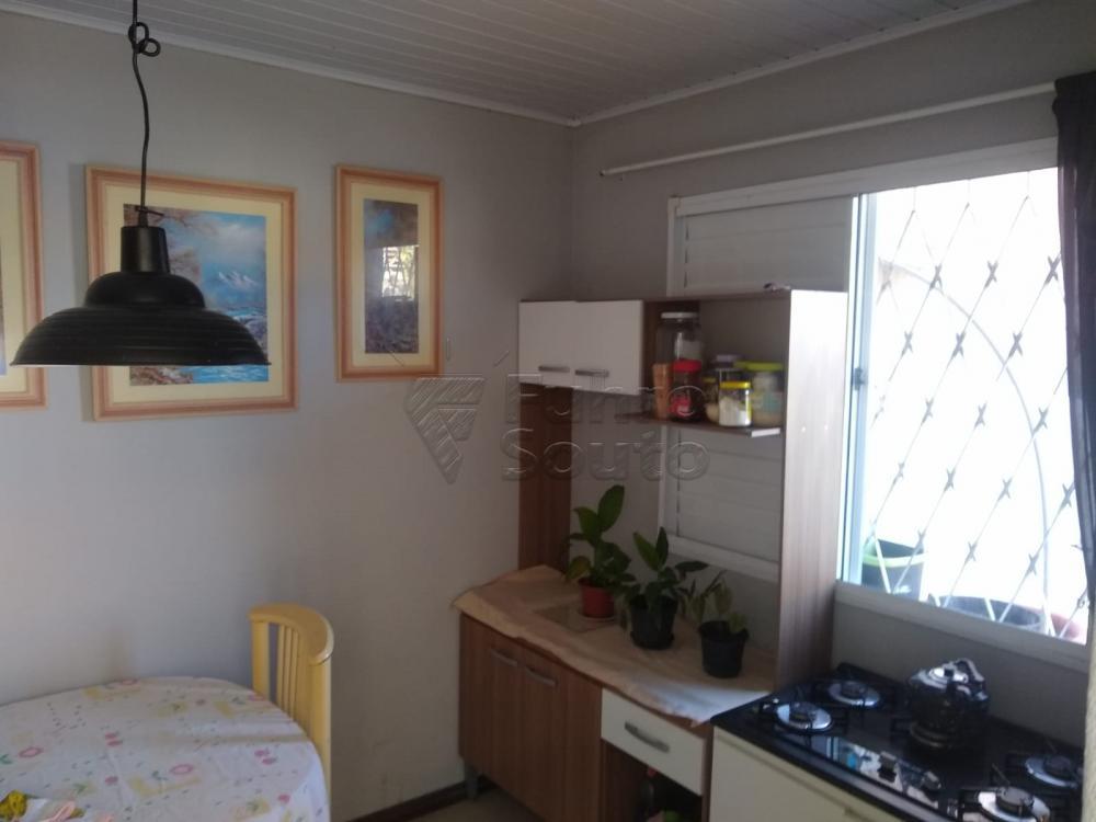 Comprar Casa / Padrão em Pelotas R$ 190.000,00 - Foto 7