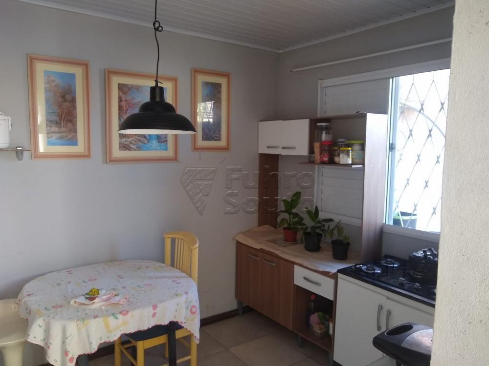 Comprar Casa / Padrão em Pelotas R$ 190.000,00 - Foto 8
