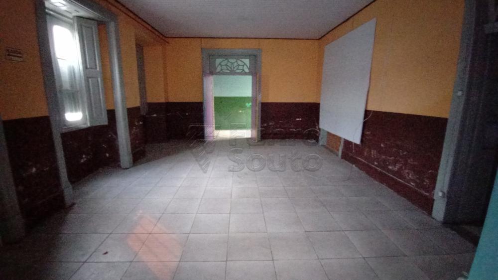 Comprar Comercial / Casa em Pelotas R$ 1.800.000,00 - Foto 2