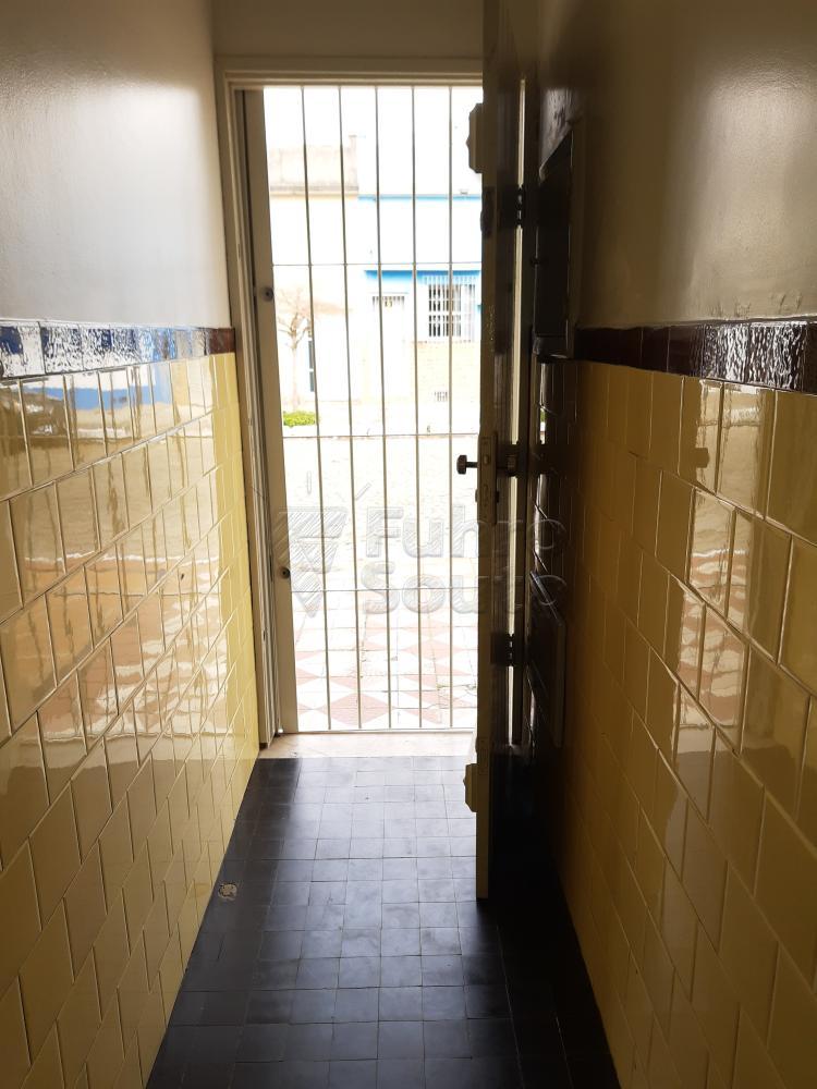 Alugar Casa / Padrão em Pelotas R$ 1.800,00 - Foto 31