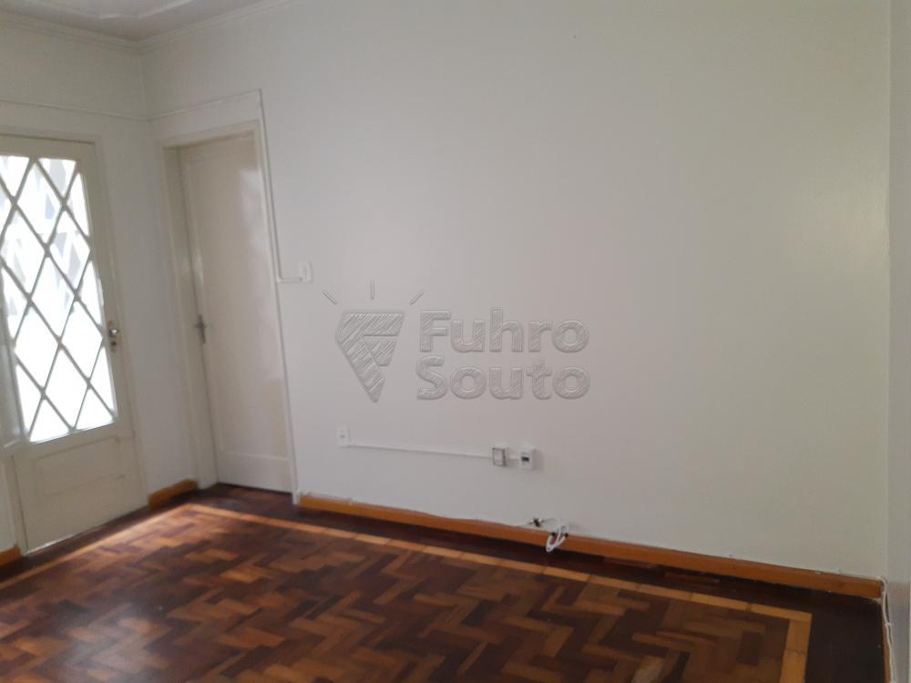 Alugar Casa / Padrão em Pelotas R$ 1.800,00 - Foto 4
