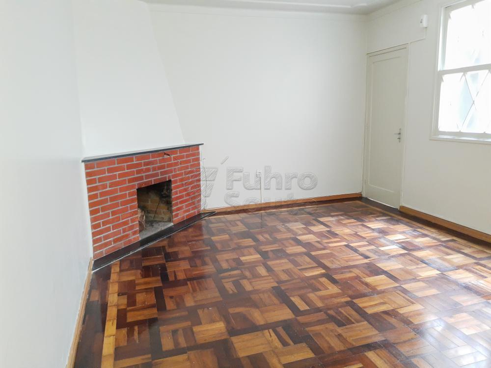 Alugar Casa / Padrão em Pelotas R$ 1.800,00 - Foto 12