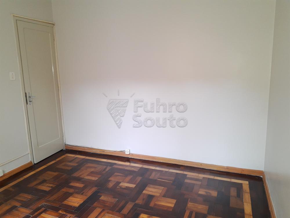 Alugar Casa / Padrão em Pelotas R$ 1.800,00 - Foto 16